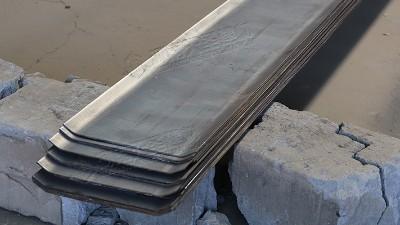 """正常情况下:止水钢板的""""浇灌工艺"""""""