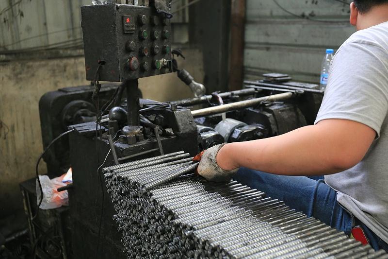 止水螺杆生产厂家